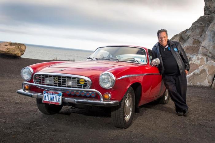 Ирв Гордон и его рекордный Volvo 1966 года, прошедший 5 470 000 километров. | Фото: cheatsheet.com.