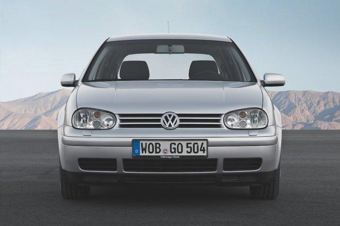 Volkswagen Golf IV – доступный автомобиль для принца. | Фото: cheatsheet.com.
