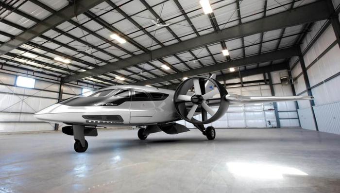 Основной движитель самолета – три импеллера. | Фото: robbreport.com.