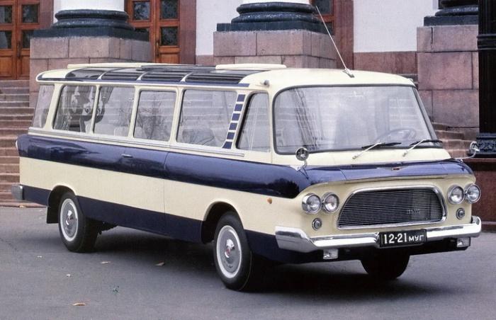 Автобус представительского класса ЗИЛ-118.
