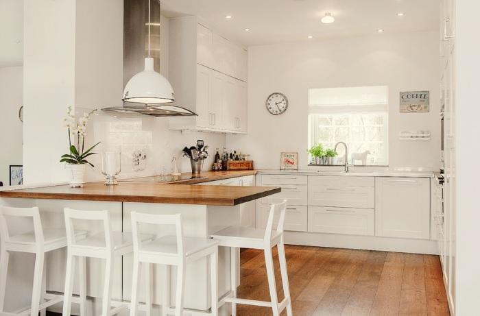 Многоуровневое освещение необходимо в интерьере кухни.