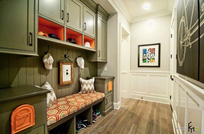 Удобный и продуманный дизайн интерьера прихожей.