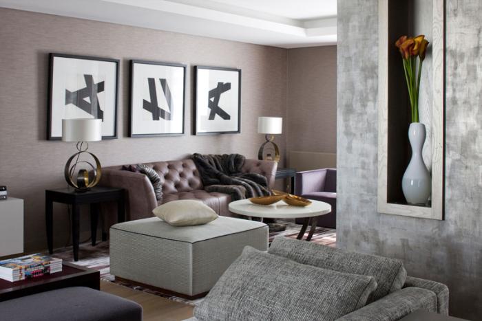 Интерьер в современном стиле с различным декором.
