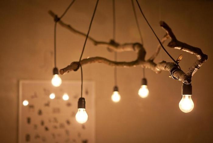 Светильник из ветки.