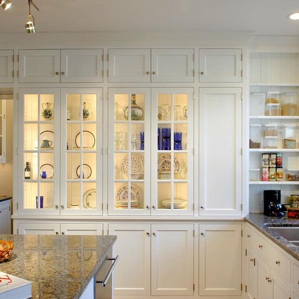 Освещение кухонных шкафчиков.