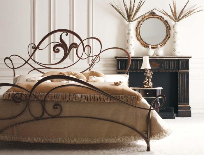 Кованая мебель - самая долговечная.