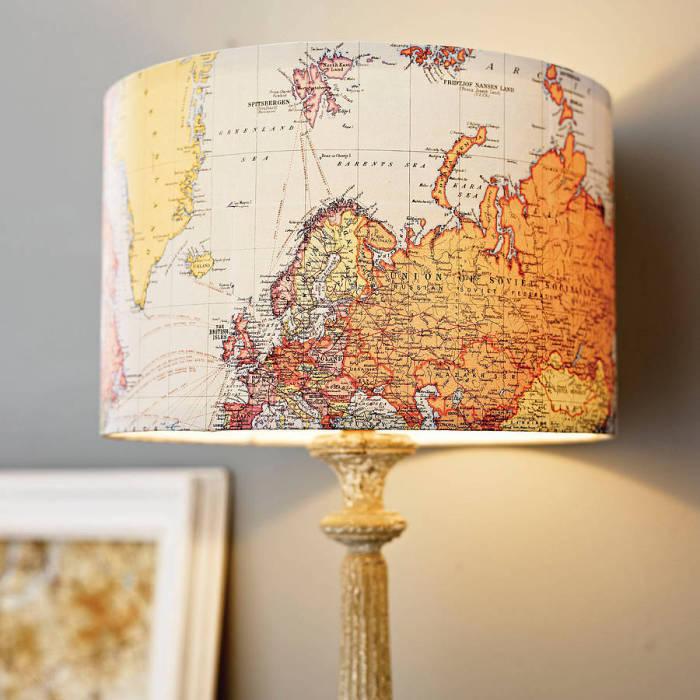 Светящаяся карта мира.