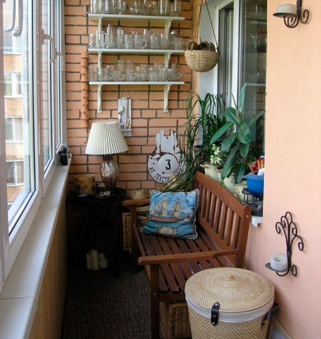 Комфортная обстановка в коричневых тонах способствует расслаблению.