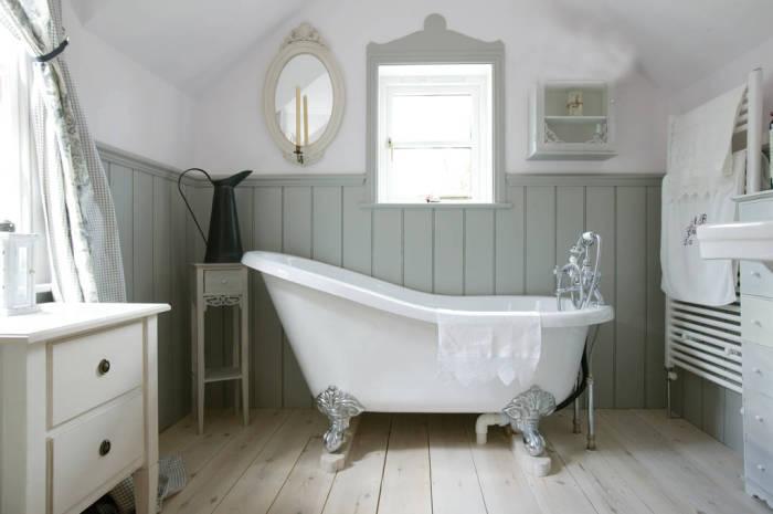 Настенные панели в ванной.