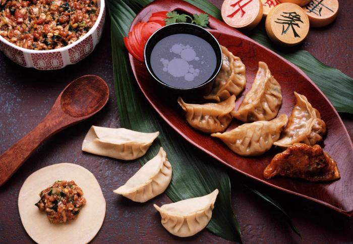 Подобие русскихх пельменей - традиционное китайское блюдо для новогоднего стола.