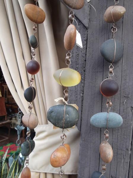 Каменный садовый декор.
