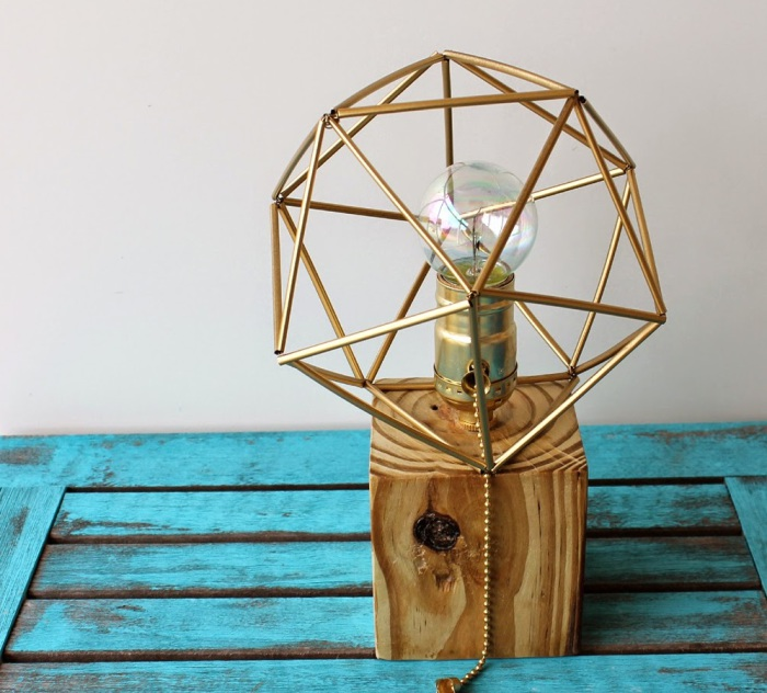 Reclaimed-Wood-Lamp Как сделать светильник своими руками: 15 идей и фото