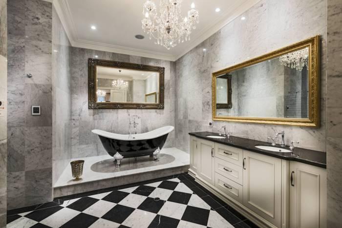 Ванная комната с классическим дизайном интерьера - беспроигрышный вариант.
