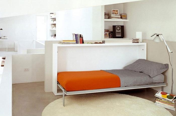 Раскладная кровать.