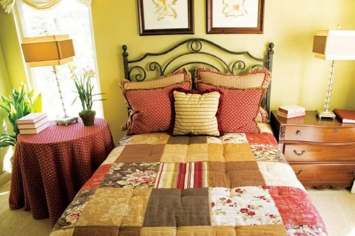Дизайн деревенской спальни