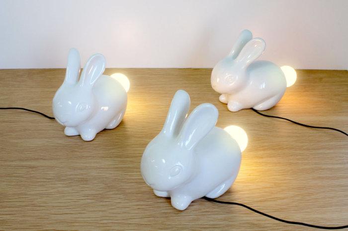 Симпатичные светильники в форме кроликов.