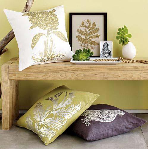 Декоративная композиция с подушками.