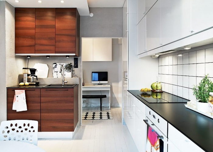 Кухня в двух цветах.