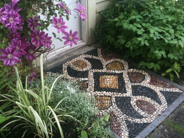 Мозаика из камней.