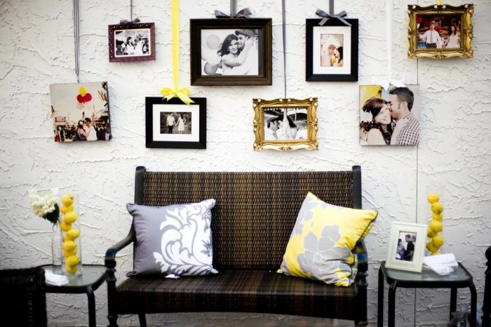 Повесить фото на стену можно на ленточках.