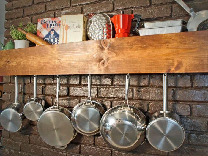 Многофункциональная полка на кухне.