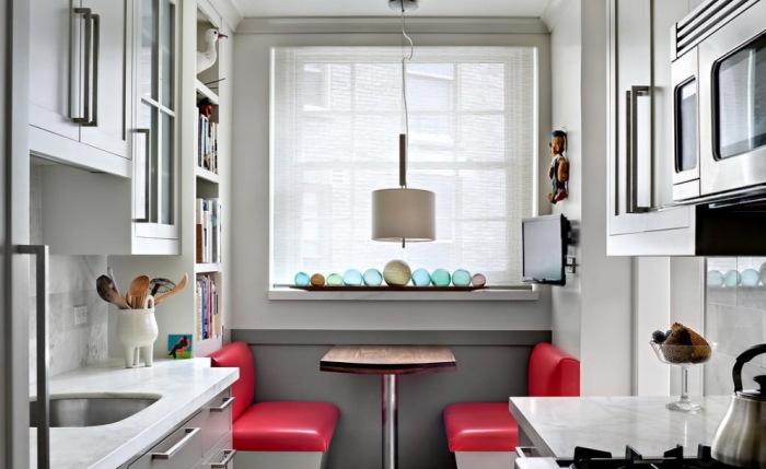 Интеьер кухни, стилизованный под кафе.
