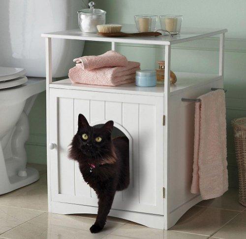 Домик, который может быть туалетом.