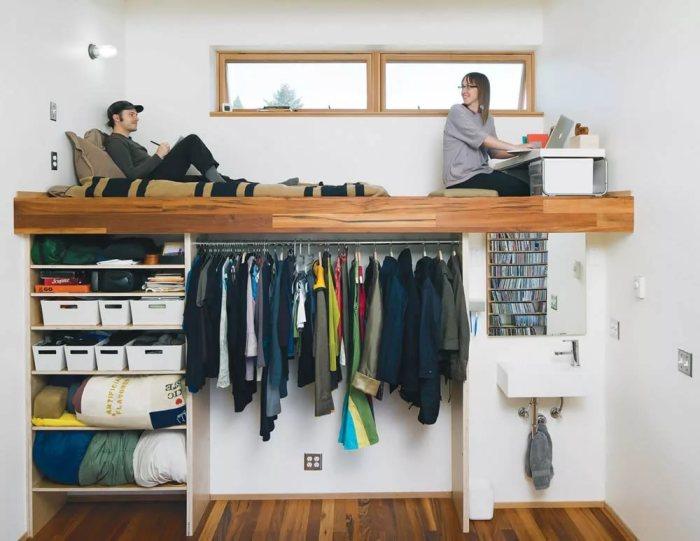 Идея для квартир с высокими потолками.