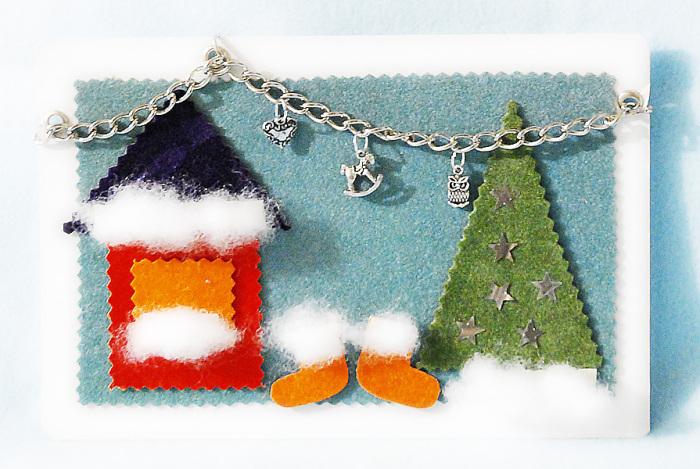 Уютный новогодний пейзаж на открытке.