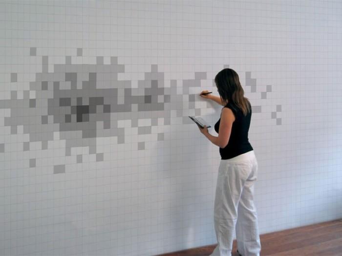 Необычный рисунок из множества мелких квадратов.