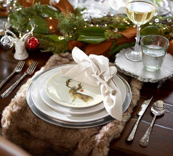 Мех преображает новогоднюю сервировку.