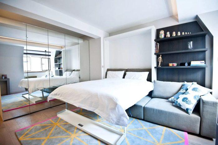Спальня с гостиной зоной.