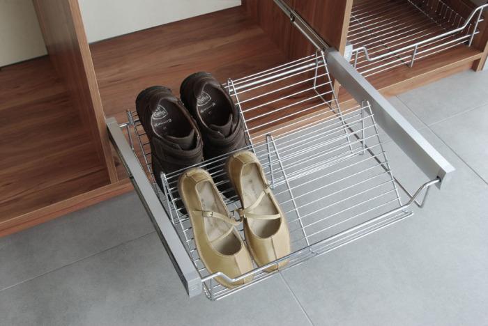 Удобные ящики для обуви.