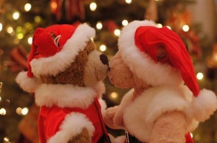 Поцелуи - часть испанской и болгарской новогодней традиции.