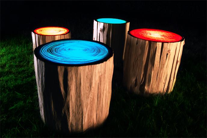 Светильники в виде пней.
