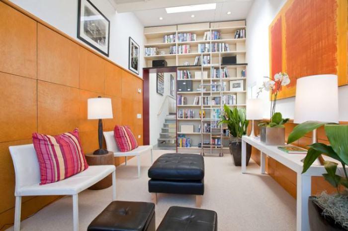 Стены в духе конструктивизма идеальны для узкой комнаты.