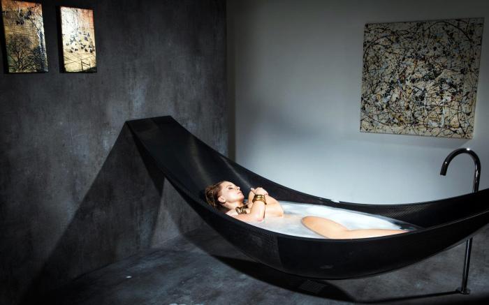 Уютная ванна-гамак.
