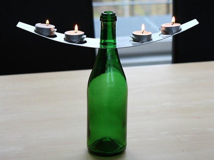 Подсвечник из бутылки.