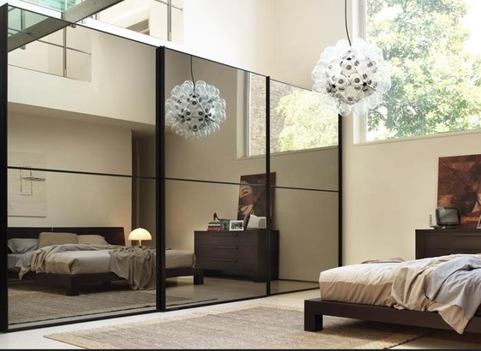Зеркало для зонирования помещения.