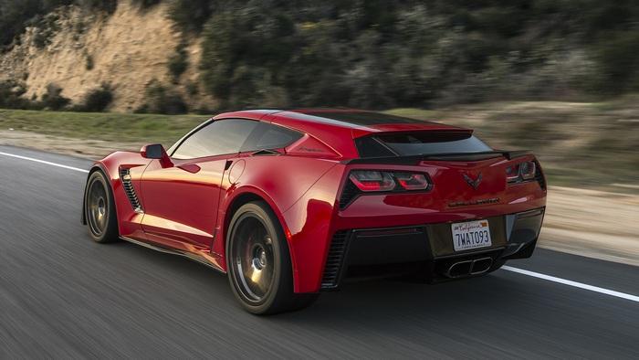 Corvette С7 Z06: из суперкара в семейный универсал.