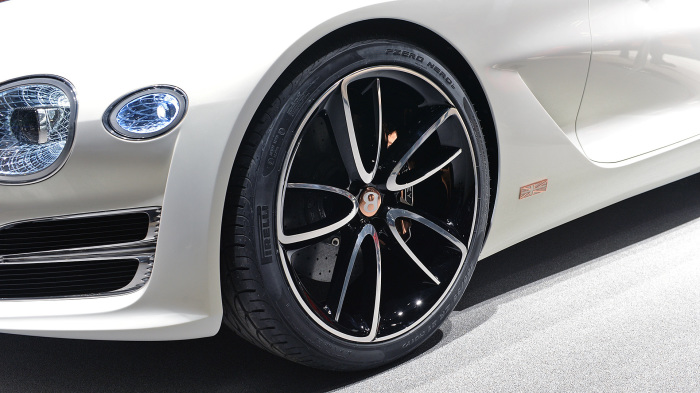 Тонкий стиль Bentley.