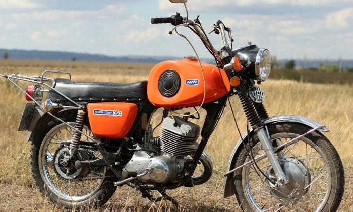 Первый серийный спортивный мотоцикл.