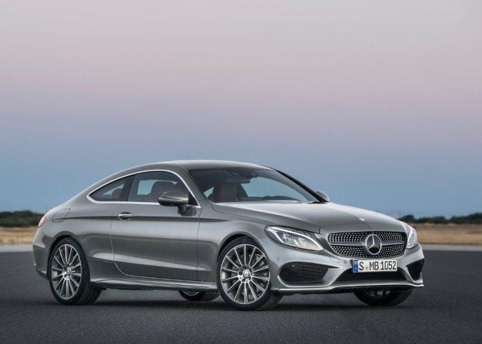 Седан Mercedes-Benz C-class станет отличным выбором.