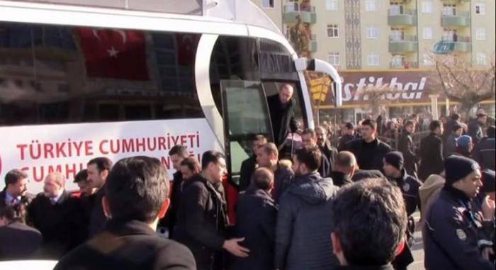 Бронеавтобус президента.