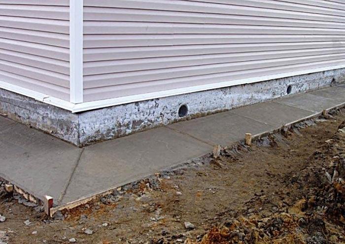 Лучше сделать швы на этапе строительства. /Фото: stroimvtambove.blogspot.com.