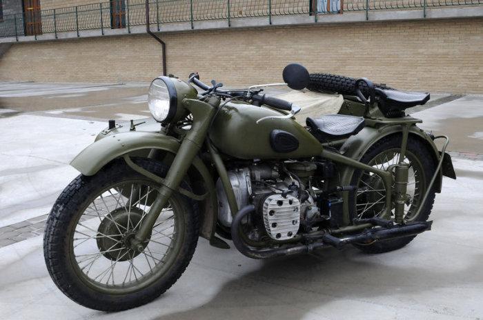 Тяжелый мотоцикл для военных.