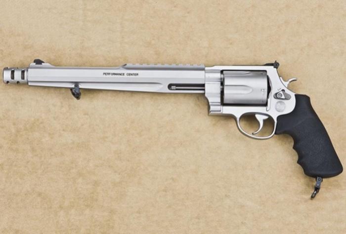 Самый большой охотничий пистолет.