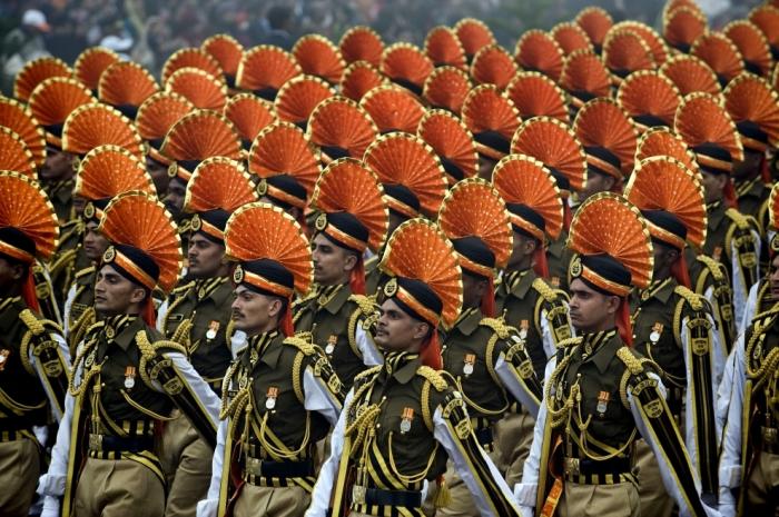 Армия Индии выглядит очень пышно и ярко. /Фото: stuffed-with-fun.blogspot.com.