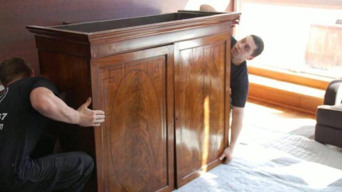 Передвинуть мебель не так сложно. /Фото: youtube.com.