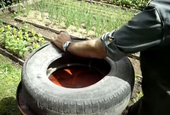 Режем покрышку. /Фото: youtube.com.